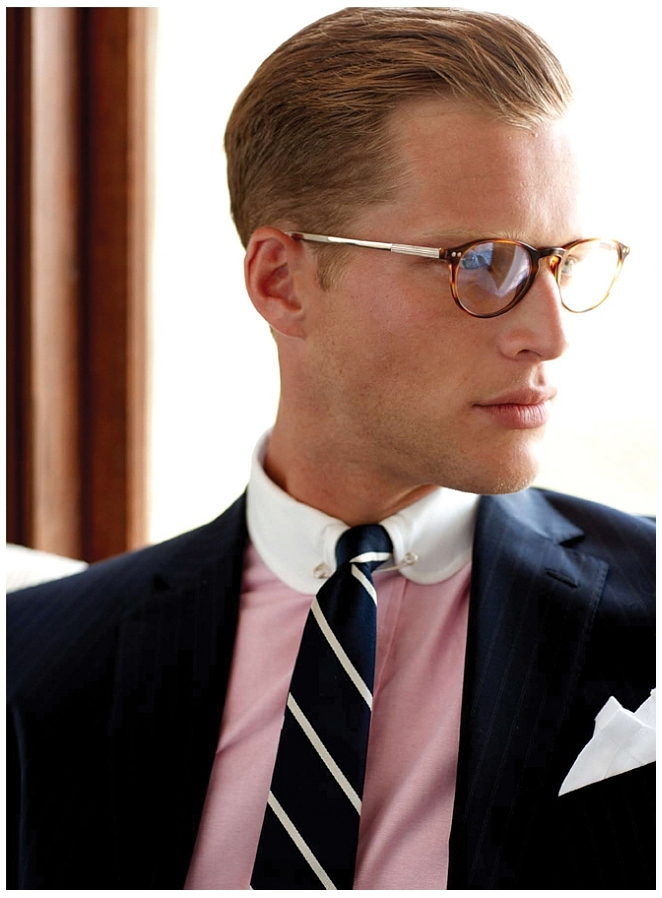 Combed Hair White Club Collar With Pin Collar And Round